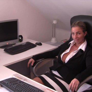 Fuck ! Stress mit Chef im Büro ! Nylonfick!