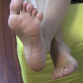 Little Feet! Smoking Footjob !